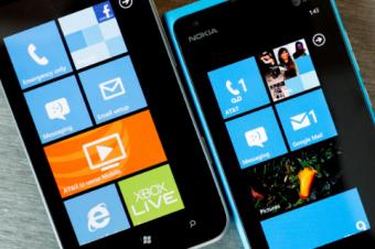 Lumia 900の陰に隠れるTitan II