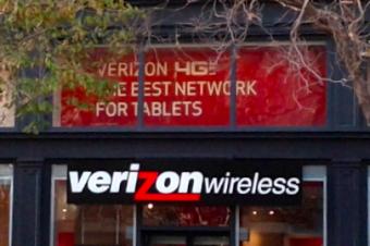 Verizonに契約廃止を求める声多数