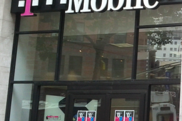 T-Mobileが「前代未聞のセール」