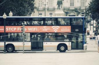 路線バスをWi-Fiホットスポットにする
