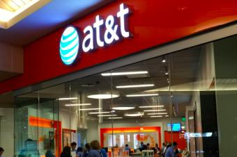 AT&Tが2年契約廃止へ動き出した