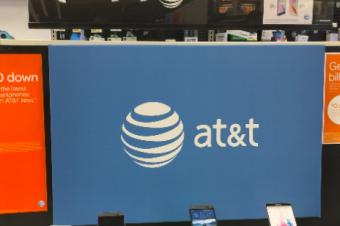 AT&Tは2年契約廃止に追随すべきでないとの意見