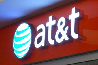 AT&Tが2年契約を廃止