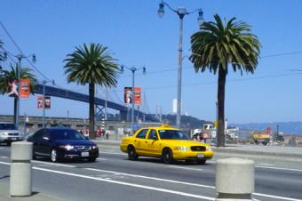 カリフォルニア州でタクシーの規制緩和法案が可決