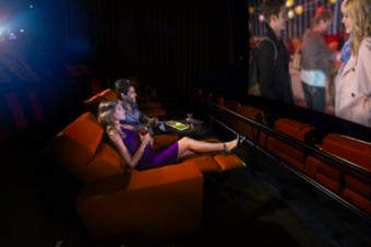 Netflixがオリジナル作品を映画館で上映