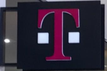 T-Mobileの火曜日のプレゼントは待望のDunkin' Donuts