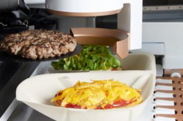 ロボットが調理するハンバーガーショップがオープン