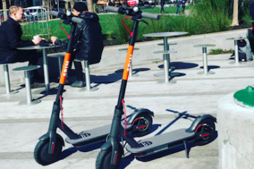 UberとLyftが電動スクーターシェアリングに参入意向