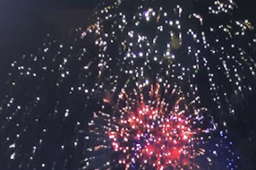 独立記念日の花火事情