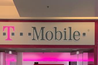 T-Mobileは1年間で1,550ドルお得