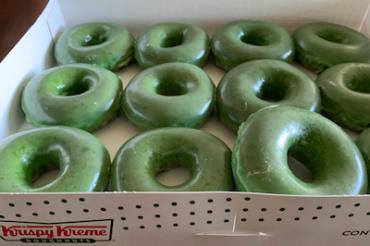 ドーナツがまたまた緑になった