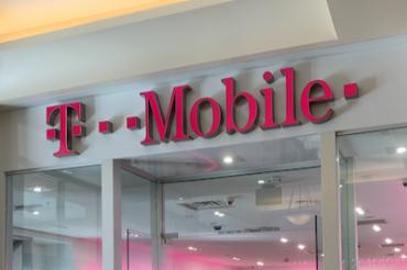 T-MobileがVerizonのDisney+特典を批判