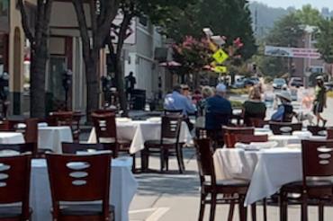 LAのレストランはTV視聴禁止
